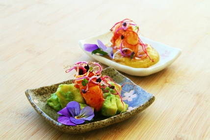 Amuse-Bouche Crevettes Avocats et Curry par EchaloteandCo et Sara's Healthy Kitchen Credit Photo Sara's Healthy Kitchen